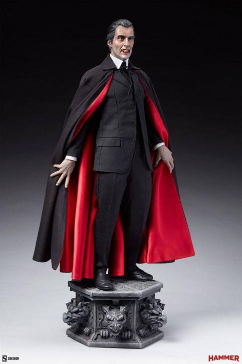 Dracula Premium Format Statue - Dracula (Christopher Lee)