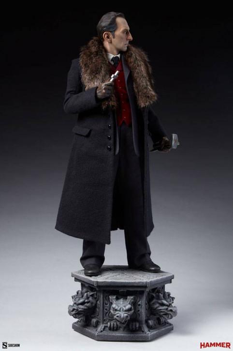 Dracula Premium Format Statue - Van Helsing (Peter Cushing)